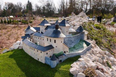 Felvidéki épületek - Krasznahorka vára